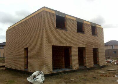 Budowa domu stan surowy.
